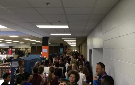 Students, staff work to calm beginning-of-year hallway tension