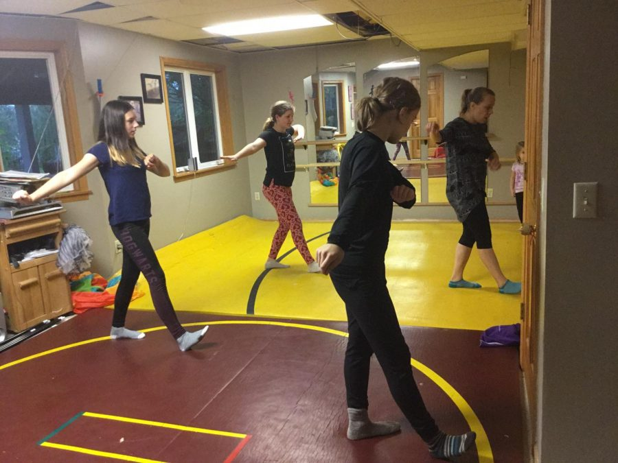 Community+dance+class+provides+positive+space+for+students