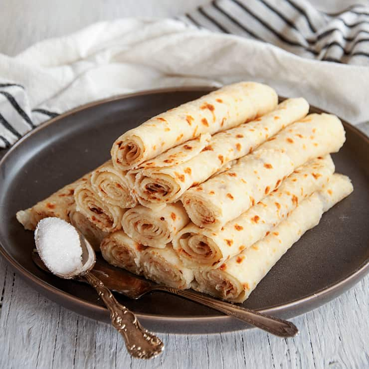 Making+Norwegian+Lefse